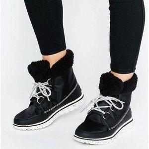 Sorel Cozy Carnival Black Ankle Booties 9.5